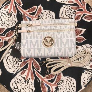 Handbags - 🌟NWT🌟 MKF Clutch/Crossbody
